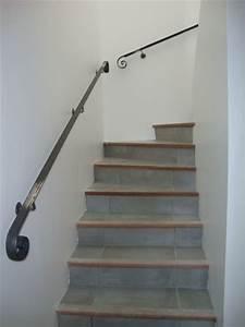 Main Courante Escalier Intérieur : main courante pour escalier fabrication produits dfci ~ Edinachiropracticcenter.com Idées de Décoration