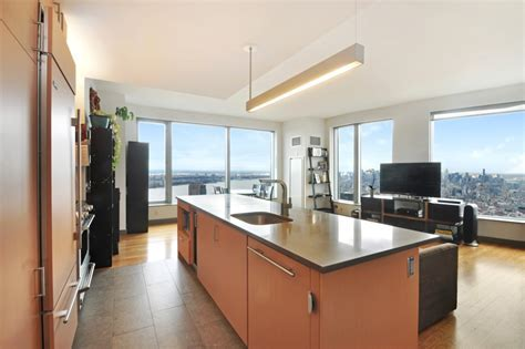8 Spruce Street   Apartments for rent in Financial