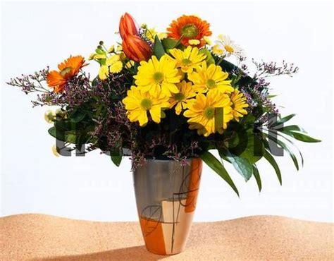 Tulpenstrauß In Vase by Blumenstrauss In Vase Runterladen Natur