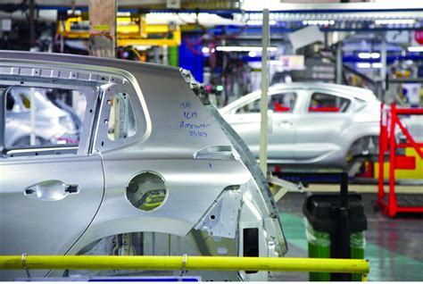 psa si鑒e social en 2017 psa supprimerait plus de 2 000 postes en l 39 usine auto