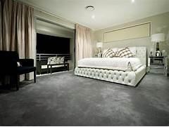 Bedroom Carpeting Ideas by Modern Bedroom Design Idea With Carpet Balcony Using Beige Colours Be