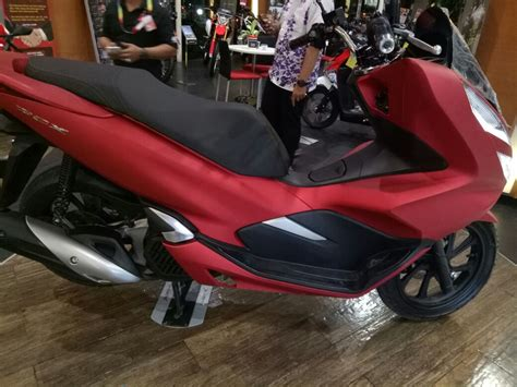 Diler Jhc Sudah Pajang Honda Pcx Lokal Merah . . . Diler