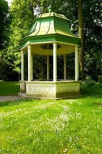 Pavillon Mit Festem Dach : gartenpavillon als echter hingucker mein bau ~ Michelbontemps.com Haus und Dekorationen