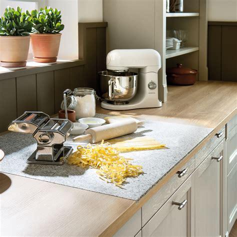 mod鑞e de plan de travail pour cuisine planche de travail cuisine maison design mochohome com