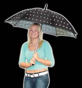 Regenschirm Mit Licht : leuchtender regenschirm rgb led schirm ~ Kayakingforconservation.com Haus und Dekorationen