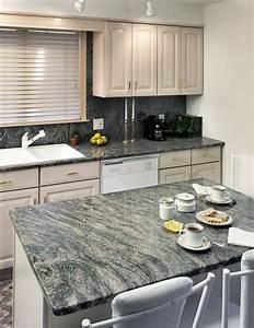Granitplatten Küche Farben : die besten 25 granit arbeitsplatten ideen auf pinterest ~ Michelbontemps.com Haus und Dekorationen