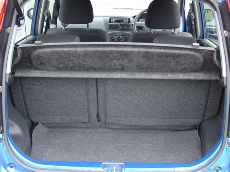 daihatsu terios trunk space daihatsu charade hatchback review 2003 2007 parkers