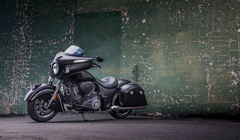 2017 Indian Chieftain Dark Horse Review