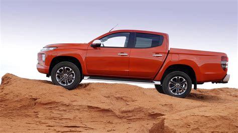 mitsubishi   pick  truck review car magazine