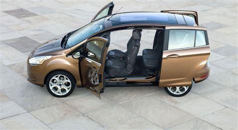 auto con porte scorrevoli ford b max la mpv efficiente e sicura porte scorrevoli e