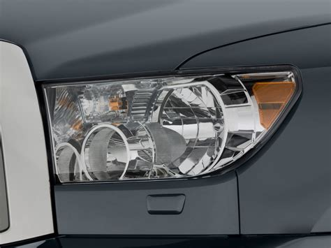 image 2014 toyota sequoia rwd 5 7l limited gs headlight