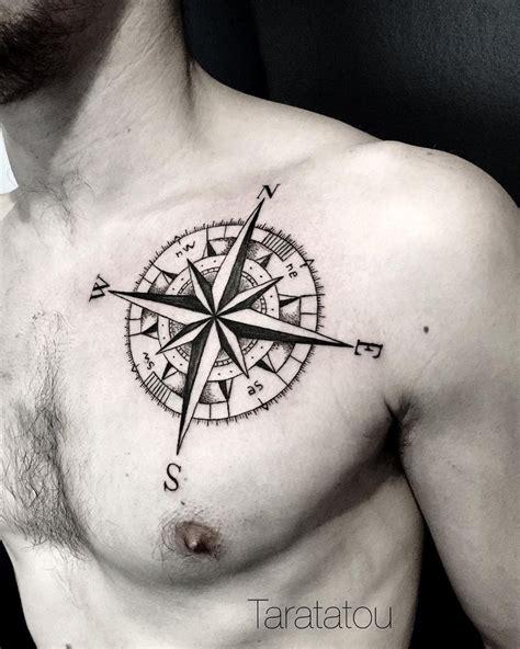 tatouage boussole homme