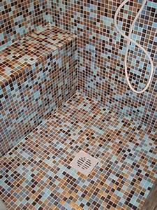 Tenere al caldo in casa: Doccia rivestimento bagno mosaico