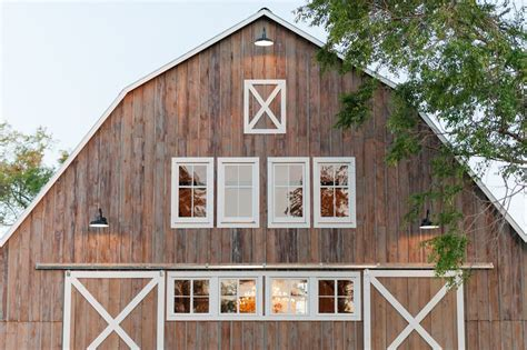 ontario barn wedding rustic wedding chic