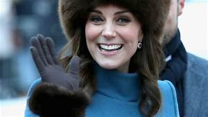 Why does Kate Middleton never take her coat off in public ...