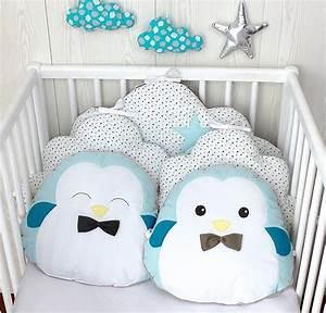 Lit Bebe Nuage : tour de lit b b 60cm large nuage et petits pingouins ~ Teatrodelosmanantiales.com Idées de Décoration
