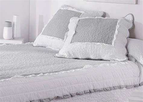 couteaux de cuisine pas cher couvre lit boutis marquise gris blanc taie d 39 oreiller