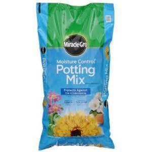 miracle gro 64 qt moisture potting mix 75561430