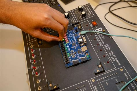 Electronics and Communications Engineering - BSc   The ...