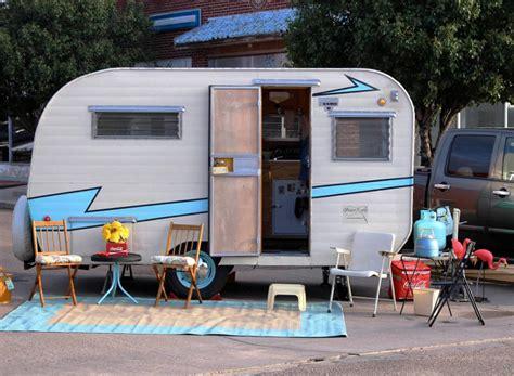 restore vintage trailers