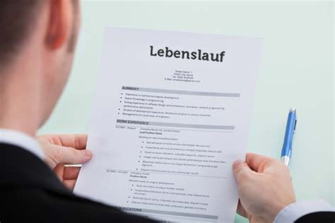 Lebenslauf Tipps by Tabellarischer Lebenslauf Tipps Und Muster Karrierebibel De