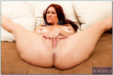 Living Room Romi Rain Boss Large Penis Body Baby