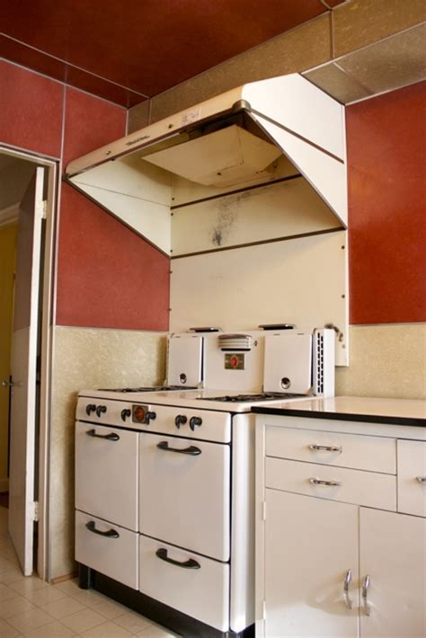awesome 1940s ventahood on old stove   1930's to 1950's