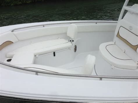 Center Console Boats With Lots Of Seating forward seating w removable backrests standard