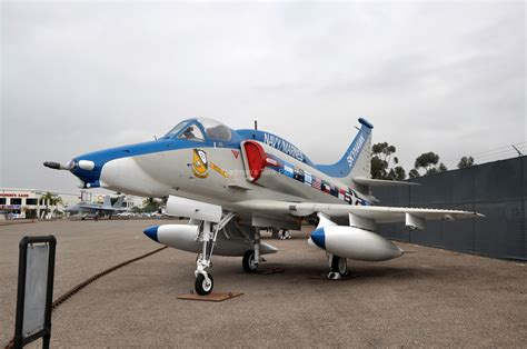 Toadman's Tank Pictures A-4m Skyhawk