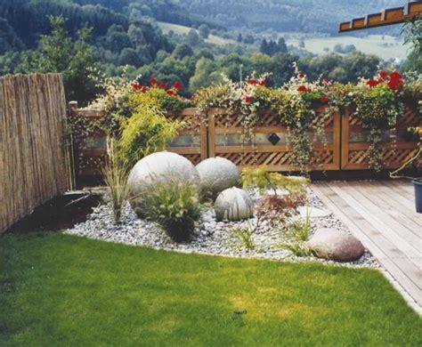 Weiße Steine Für Garten by Naturstein Kies Kiese Splitt Schotter Marmor Splitt
