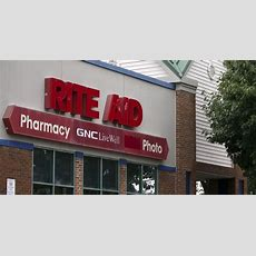 Walgreens, Rite Aid To Sell 865 Stores To Fred's