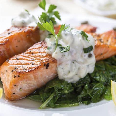 cuisine papillote recette saumon à l 39 oseille et aux épinards