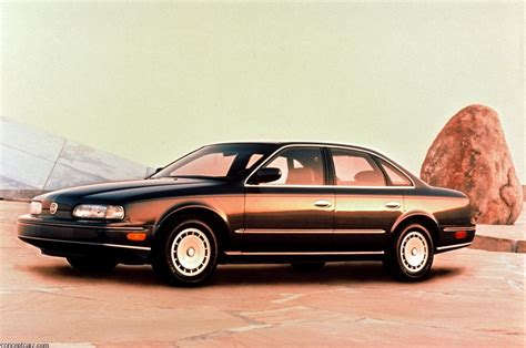infiniti  history pictures sales  research