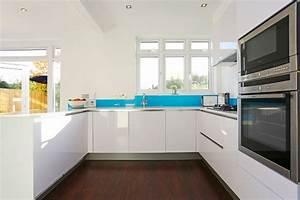 Küche U Form Offen : k che kuche u form weiss grifflos glas spritzschutz himmelblau k che in u form planen 50 ~ Sanjose-hotels-ca.com Haus und Dekorationen