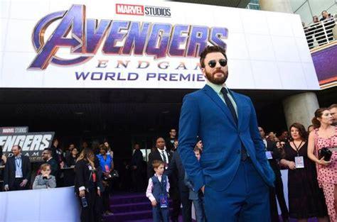 Robert Downey Jr, Chris Evans, Chris Hemsworth and others ...