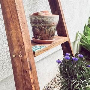 Mosaiksteine Auf Holz Kleben : a wie anlehnregal selber bauen blickgewinkelt ~ Markanthonyermac.com Haus und Dekorationen