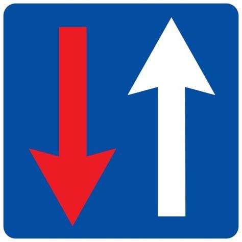 Ceļa zīme - Nr. 209 Priekšroka attiecībā pret pretim ...