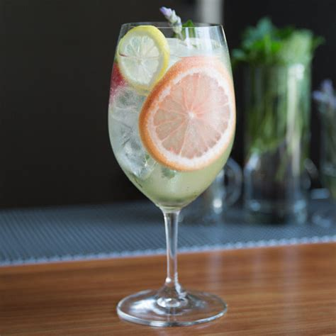 easy cocktails 10 easy gin drinks for a hot summer day