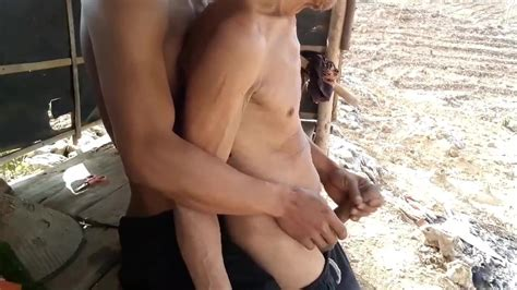 Indonesian Elder And Younger Man Handjobs Free Gay Porn 24