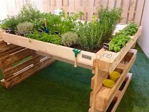 10 bonnes idees pour recycler les palettes au jardin les With charming comment amenager un petit jardin 3 10 projets recup pour le jardin