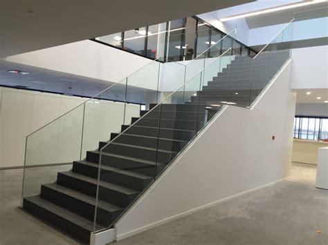 garde corps escalier garde corps escalier sabco belgique 171 sadev architectural glass systems fixations pour le verre
