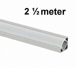 Ledstrip 2 Meter : led profiel 2 5 meter 45 graden abc ~ Frokenaadalensverden.com Haus und Dekorationen