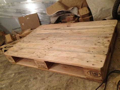 pallet table coffeecouch table  euro pallets diy