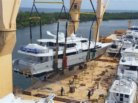 Boat Transport Ft Lauderdale by Yacht Transport Big Business In Fort Lauderdale Hauling