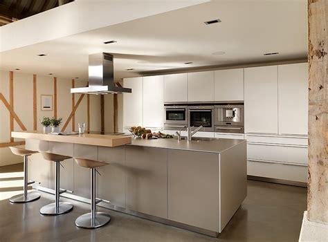 cuisine bulthaup 99 idées de cuisine moderne où le bois est à la mode barn architecture and kitchens