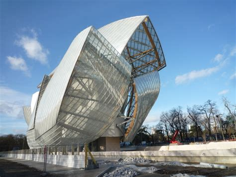die fondation louis vuitton  paris frankreich