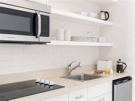 hotels with kitchen studio hotel room with kitchenette chelsea hotel toronto
