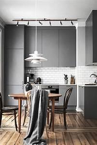 Einrichten In Weiß : k che einrichten dekorieren in grau wei fu boden aus holz ~ Lizthompson.info Haus und Dekorationen