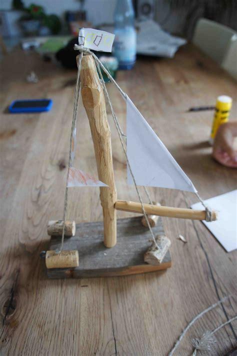 bauen mit kindern cool design holzschiff bauen mit kindern basteln outdoor