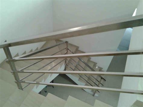 model railing stainless tangga minimalis interior rumah